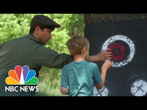 What Does Online Summer Camp Look Like? | NBC News NOW