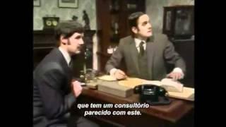Dr. Larch que é um Psiquiatra  - Monty Python (Legendado)