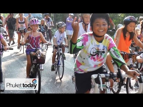 Phuket kids ride for dolphins, dig for turtles