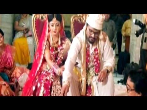 Babul Supriyo weds air hostess Rachna Sharma with PM Modi in attendance