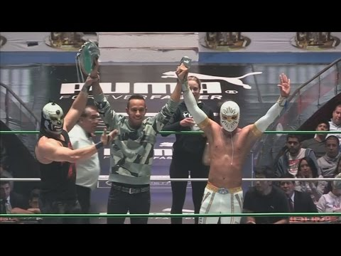 Lewis Hamilton - a wrestler? See him in the ring in Mexico