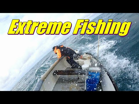 🌊 Extreme Boat Fishing - Bass & A Rogue Wave
