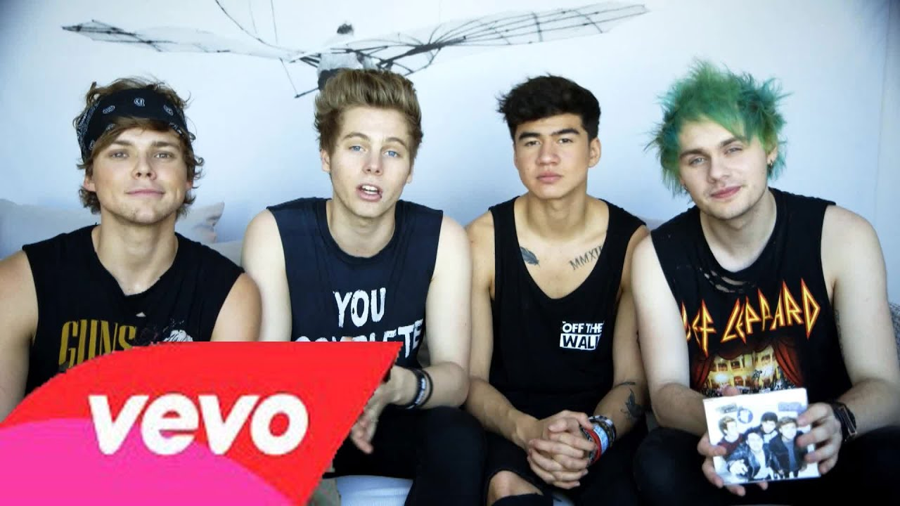 Kiss me kiss me 5 seconds of summer official lyric video youtube m4hsunfo