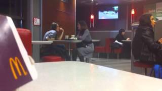 Как рамсит брутальная деваха в McDonald's