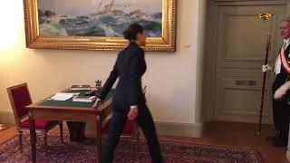 Kronprinsessan springer i trappor på Slottet – för att demonstrera vardagsmotion