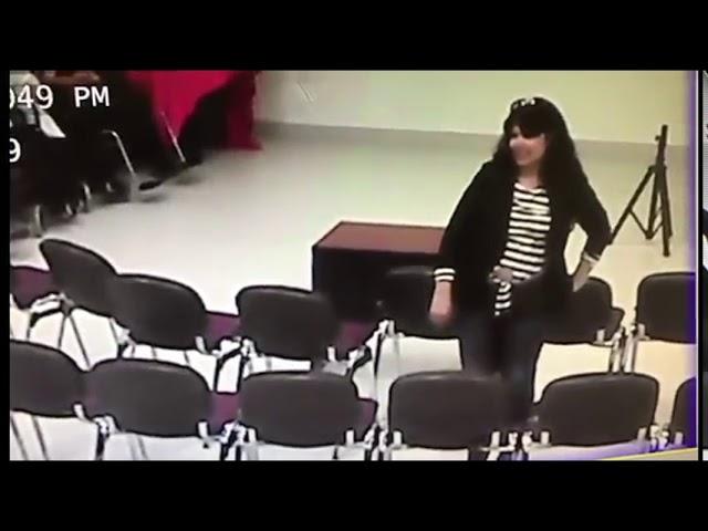 María Carrasco, regidora de Morena en Nogales, fue captada tomando sin permiso un celular ajeno