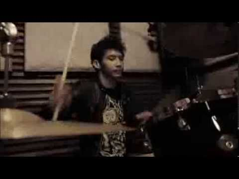 Radityan Akbar Closer to The Edge 30 Seconds to Mars Drum Cover