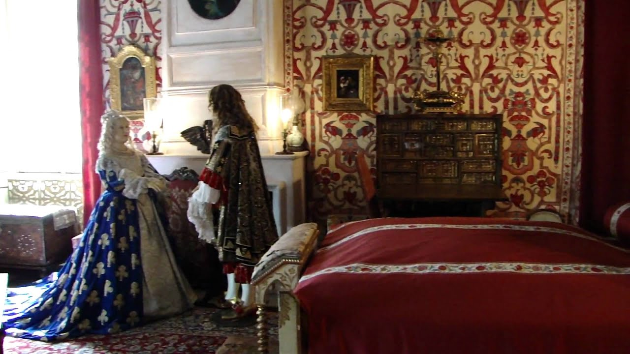 Visite de la chambre de louis xiv youtube for Chambre louis xiv