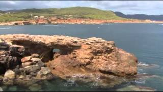 видео Один в океане