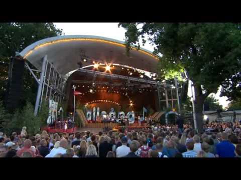 Veronica Maggio   Dumpa Mig Live Allsång På Skansen 2008