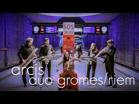 Ein Video von:Raphaela Gromes - Julian Riem - Arcis Saxophon Quartett