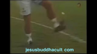 Maradona juggling a football, tennis ball, golf ball....and