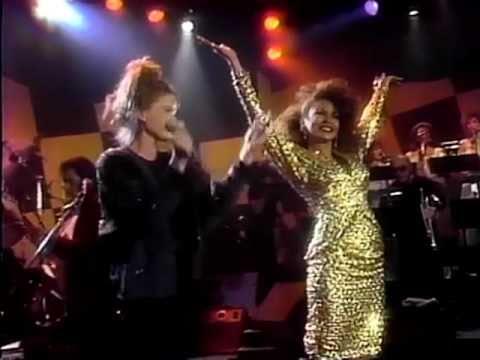 Freda Payne & Belinda Carlisle - Band of Gold (Live)