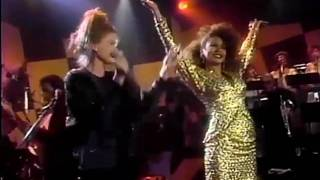 Freda Payne & Belinda Carlisle - Band of Gold (Live)