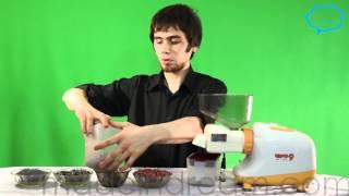 Шнековая соковыжималка Oscar с насадкой для масла(Купить этот товар по лучшей цене с гарантией можете тут: http://madeindream.com/juicers/horizjuicers/ На видео выжималось масло..., 2012-05-15T22:03:14.000Z)
