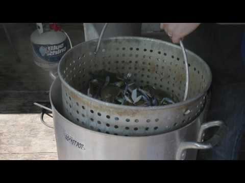 Boiling crabs with Chef Justin LeBlanc of Bevi Seafood in New Orleans