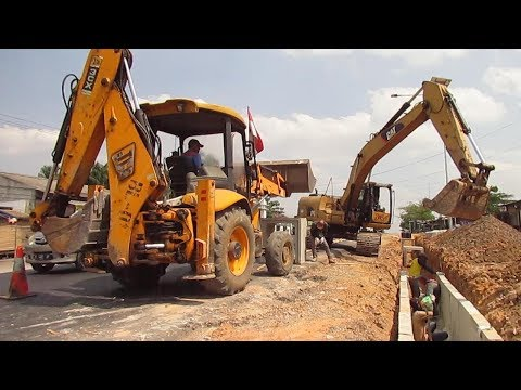 JCB BL 01 3CX And Excavator CAT 320D Working Lifting Heavy Install Culvert