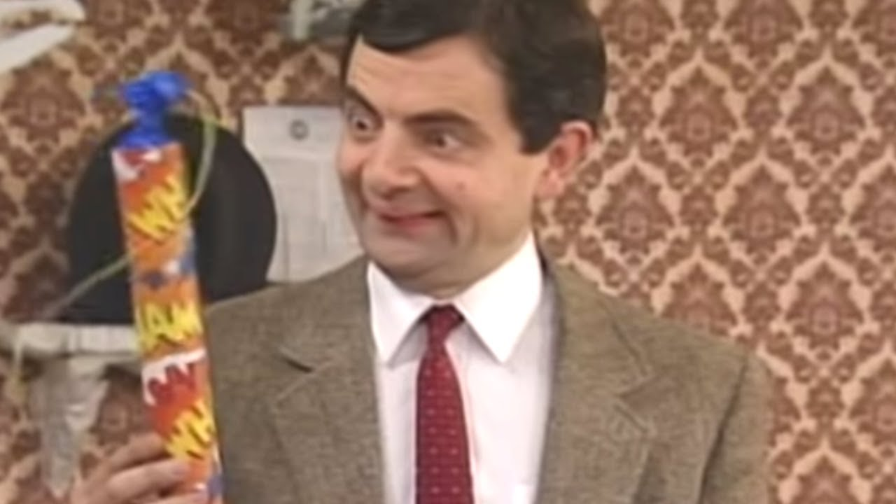 Explosive paint mr bean official youtube explosive paint mr bean official solutioingenieria Images
