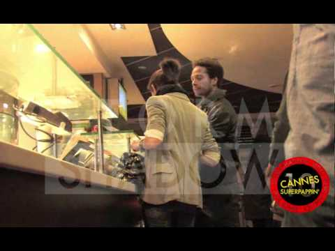 Gary Dourdan drunk and high at Mc Donald's in Cannes !