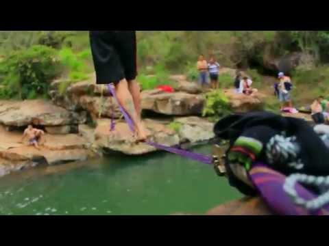 Slackline en Curiti - Primer encuentro de la linea mojada. ( waterline )