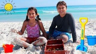 Um dia divertido na praia e parque aquático - A fun day at the beach and water park Playground