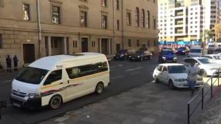 Pres Jacob #Zuma's motorcade arrives at ANC HQ, amid reports Min Lynne Brown's summoned to meet part