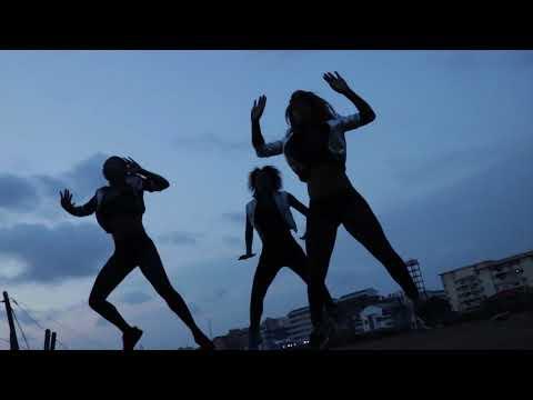 Serge Beynaud Bakamboue danse Massack by Benjamin Ndongo