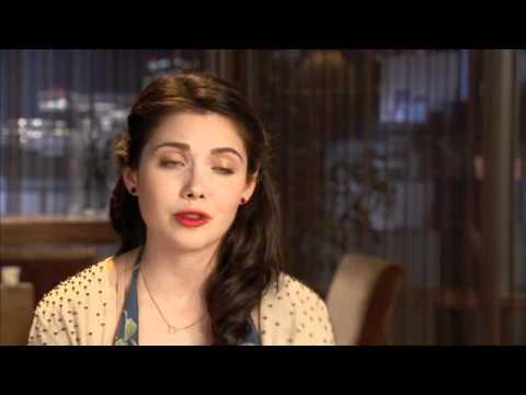 GRACE PHIPPS Talks Nine Lives Of Chloe King!