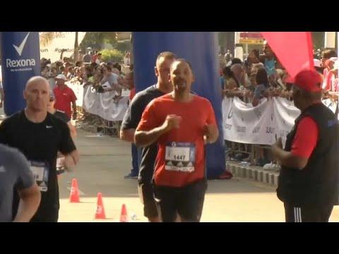 شاهد: نجم هوليود ويل سميث يخوض سباق ماراثون هافانا  - نشر قبل 4 ساعة