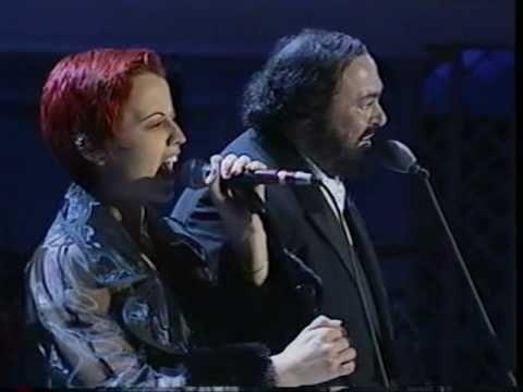 Dolores O'Riordan & Pavarotti - Ave Maria