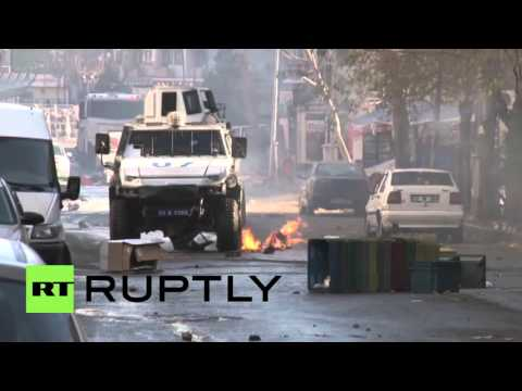 Turkey: Sit down protest violently dispersed by police in Sur district of Diyarbakir