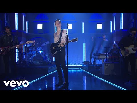 Image Description of : James Bay - Pink Lemonade (Live From Late Night With Seth Meyers / 2018)