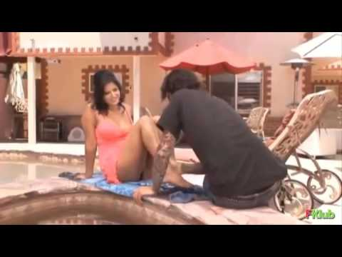 Sunny Leone ROMANCE with her Hot Dirty...
