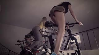 Смотреть клип Bibanu - Bicicleta Feat. Carlito