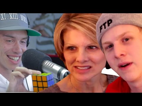 Mom reacts to Logic solving a Rubiks cube during Freestyle @Logic301