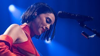 Watch St Vincent Severed Crossed Fingers video