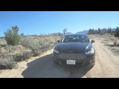 Vast zitten in de woestijn met een sedan!! (vlog#26)