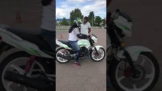 Первый урок вождения на мотоцикле!!!