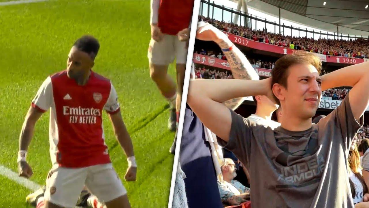 Download AUBAMAYANG MAKES IT 2! Arsenal 2 0 Spurs [STADIUM GOAL CLIP]
