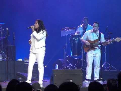The Jets Live in Manila 1