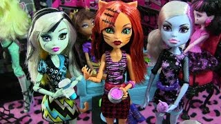 MONSTER HIGH COFFIN BEAN TORALEI STRIPE FRANKIE STEIN ABBEY BOMINABLE DOLL REVIEW VIDEO!!! :D
