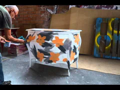 L 39 uomo che dipinge sui mobili youtube - Iva sui mobili ristrutturazione ...