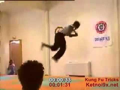 Những cú đá xoay kungfu.flv