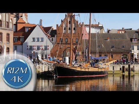 4K UHD Relaxing Video: Wismar, Germany - Alter Hafen (Old Harbor), Gebäude am Kai (Wharf Buildings)