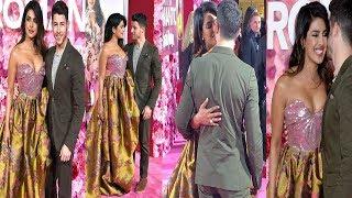 #priyankachopra #nickjonas Priyanka and Nick at the premiere of the movie  isn't it romantic