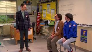 Леонард, Шелдон и Говард рассказывают школьницам о науке