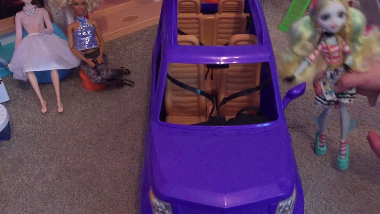 Barbie Doll SUV Reveal Seats 4