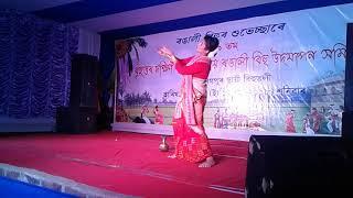 Axomi mur porisoi song solo dance by Mridusmita Sharma
