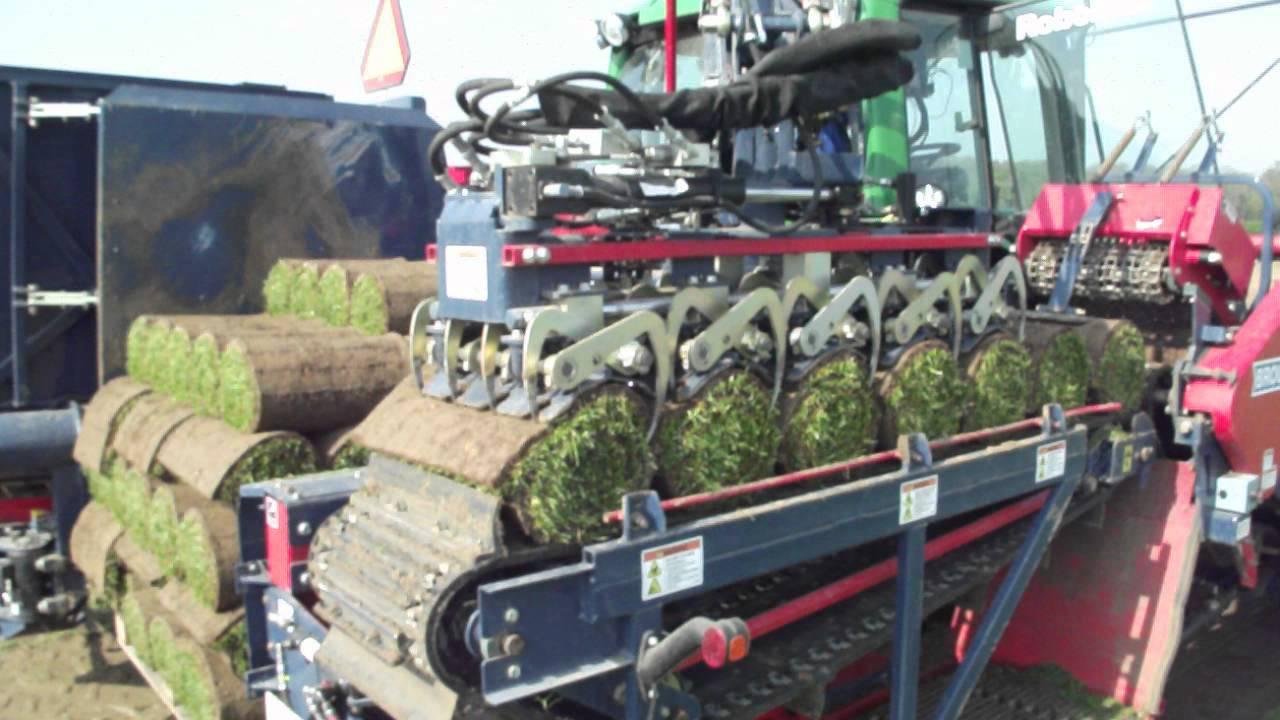 La machine automatis e pour le d placage des gazons youtube - Machine pour ramasser les pommes ...
