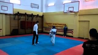 соревнование ТХЭКВОНДО лицей Петру Мовилэ спарринг 7